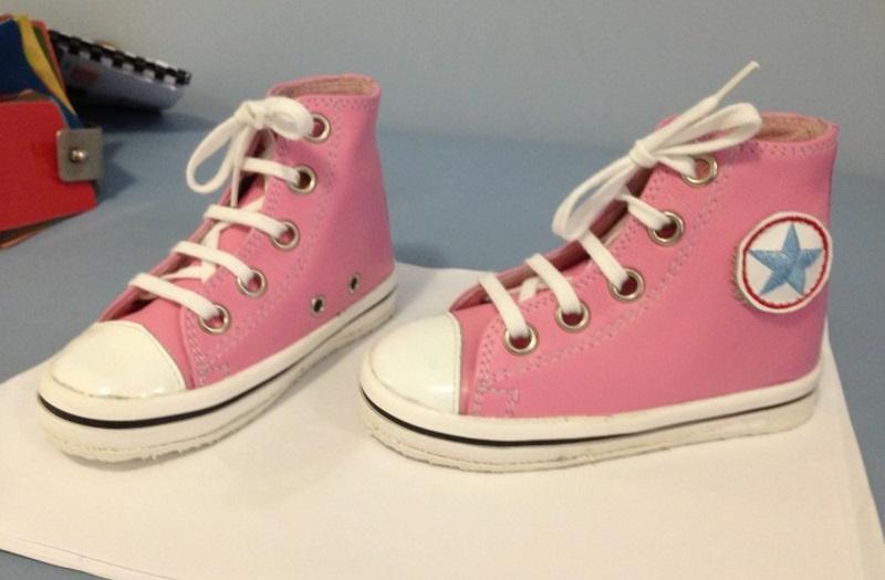 Baskets pour jeune enfant paraplégique chaussures orthopédiques de verticalisation Castanet Tolosan, Labège, Balma, L'Union, Quint Fonsegrives, Toulouse